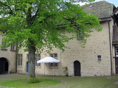 Burg Sternberg, Hof der Oberburg