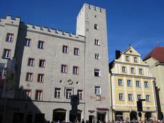 Haidplatz mit Patrizierburg zum Goldenen Kreuz, Regensburg