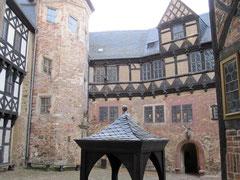 Burg Falkenstein im Selketal, Burghof