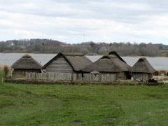 Wikingermuseum Haithabu, rekonstruierte Gebäude der Siedlung