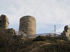 Burg Desenberg, Blick von der Vorburg auf die Hauptburg