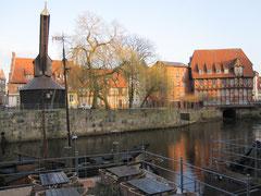 Stintmarkt mit Kran und Lüner Mühle, Lüneburg