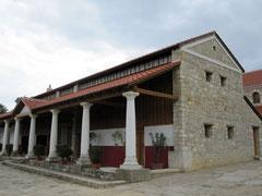 Carnuntum, Portikus
