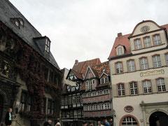 """Marktplatz mit Haus """"Grünhagen"""" und Rathaus, Quedlinburg"""
