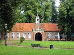 Schloss Evenburg, barocke Vorburg