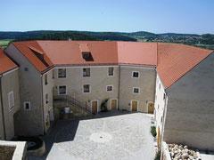 Burg Lupburg, Hof der Oberburg