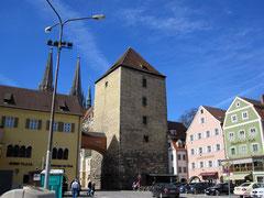 Alter Kornmarkt mit Herzogshof und Römerturm, Regensburg