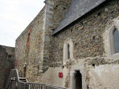 Burg Aggstein, Palas und Kapelle in der Hochburg