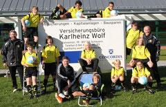 """ganz rechts außen: Karlheinz """"Charly"""" Wolf"""
