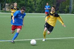 TuS B-Jugend gegen den Heisinger SV (F.: mal).