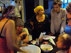 "Atelier ""pain maison"" chez Maggie's Homestay"