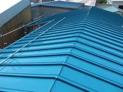 工場の屋根トタン葺替