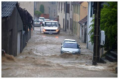 Les rues de Nay pendant l'orage © Clément Jaglin