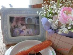 *マリリンちゃん・メリーちゃんママからかのんにお花を頂きました。