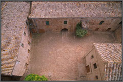 An aerial shot of the courtyard of Rocca Montevarmine in which the stalls were set up for the festival.