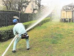 屋外消火栓を用いた放水