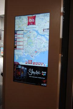Monsierge - touchscreen ricco di info su Singapore