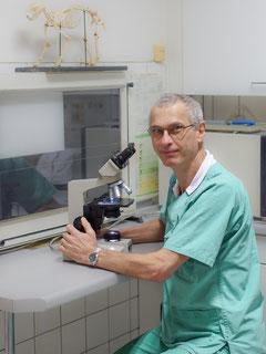 Bild: Herr Sperber,Tierarzt,Knochenchirugie,Berlin