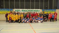 Die D-Jugend Teams zum Erinnerungsfoto.