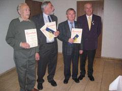 v.l.: Heinz Lehm, Erwin Henkel, Franz Denecke und der 1. Vorsitzende Eckhard Niemeyer