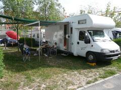 Repos sous l'auvent (camping italien)
