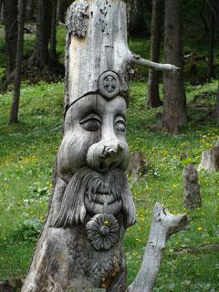 Holzskulptur Oeschinensee