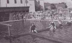 Schwimmbad um 1931