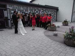 Ein Ständchen für das Brautpaar