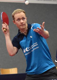 Matthias Wibbe gewann beide Einzel und zusammen mit Peter Schmitz im Doppel. (Foto: Tuschen)