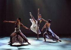 カレイドスコープ公演「魚の背」(c)Yoichi Tukada