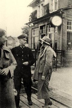 Am Bahnhof Birkelbach im Jahre 1935 (Aufnahme: Sammlung Andreas Sassmannshausen, Hilchenbach)