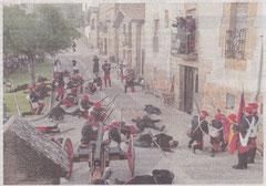 La plaza del pueblo, sembrada de muertos, tras el ataque sorpresa de las tropas carlistas. (Foto: Montxo A.G.)
