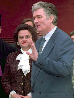 Mrzitelji Sarajeva: Ljiljana Zelen i njen suprug Radovan Karadžić, otuđeni od razuma  Photo: EPA
