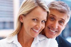 Was ist besser, wenn Zähne fehlen: Eine Brücke oder als Zahnersatz Implantate mit Kronen?