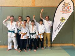 Foto: Jonas Schwarz, Maximilian Allwardt, Haris Hasanovic, Tarik Hasanovic, Philipp Bauer, Hamed Husseini und Trainer Markus Betz