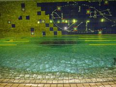 水質の良いザムロッドのプールで泳ぎませんか!!