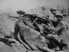 Französische MG-Schützen auf dem Toten Mann