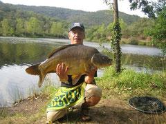 Carpe de 13 kg prise dans le lac