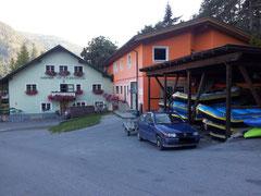 Raftstation und Unterkunft