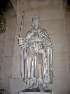 Statue de Philippe Auguste - Château de Versailles. Temple de Paris