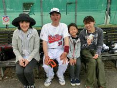 左から岩田さん・私・岩田ジュニア・秦さん