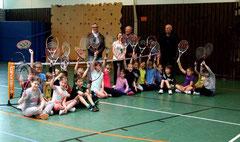 Fröhlicher Start in die Schultenniswoche in der Grundschule Kirchhorst