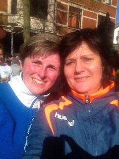 Geschafft: Nach dem Zieleinlauf ein Selfie (v.l.: Christin Senf und Anikó Blum)