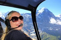 Gast beim Helikopterrundflug zum Jungfraujoch