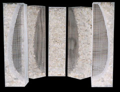 Shell. 2000. (Environment Box). Wire mesh, river stones. 120 x 200 x 100cm. Owned by the artist. © Charles Rocco