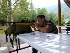 Eine ruhige Hand und ein gutes Auge war beim Luftgewehrschiessen gefragt