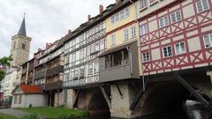 Erfurt Brücke mit vielen Häusern
