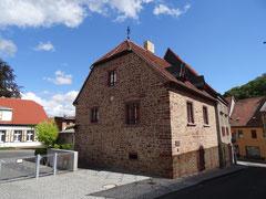 Mansfeld Luthers Elternhaus  aus groben Steinen erbaut