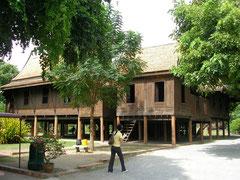 タイの高床式住宅