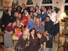 Big family というのも実はアメリカには多いです。この様な家族も復活するのでしょう
